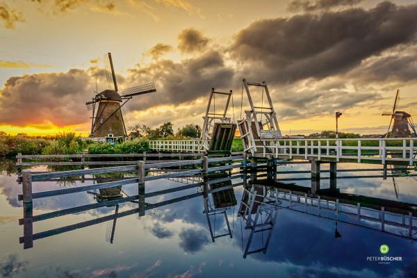 Windmühle mit Brücke - 40x60 Acrylglas
